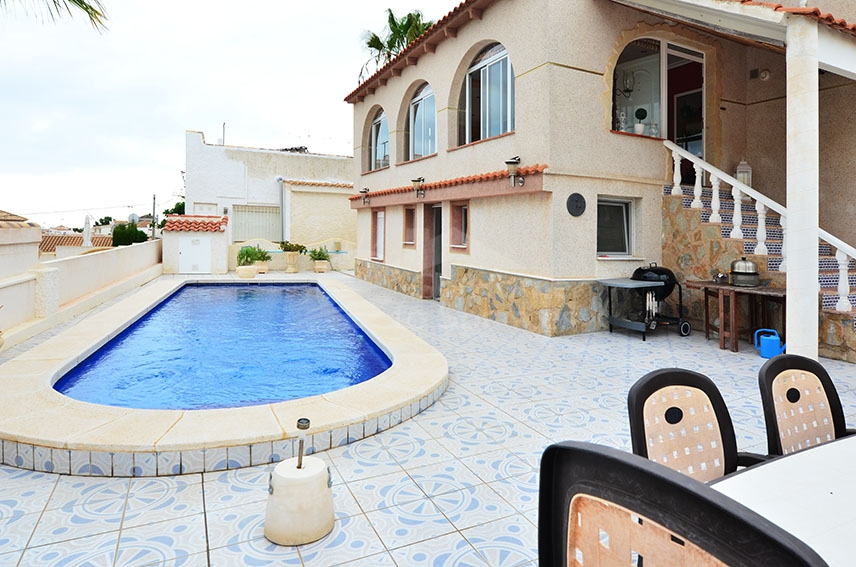 Re-Sale · Villa Orihuela Costa · Villamartin