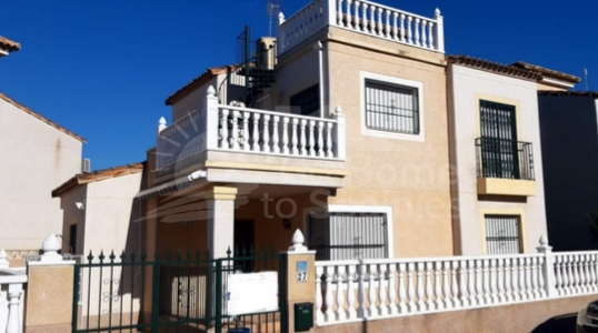 Re-Sale · Villa Algorfa · Montebello